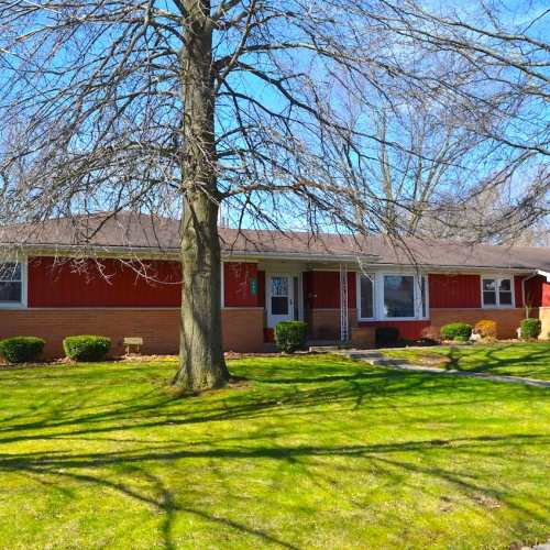 Spacious 4 bedroom 2 bath home in Warren, Indiana