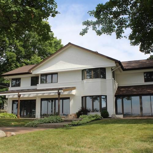 5 bedroom, 3.5 bath home on 100' Prime Lake Frontage on Lake Wawasee!