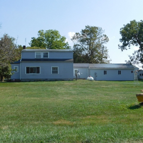 3 bedroom home and outbuildings sitting on 2 acres in Huntington