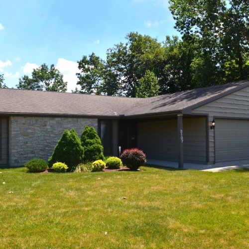 Well maintained 3 bedroom, 2 bath ranch home w/ attached garage in Copper Hill - Aboite Twp.