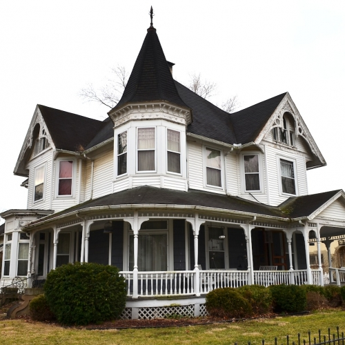 7 Bedroom, 5 Bath Victorian Home with Carriage House in Peru, IN
