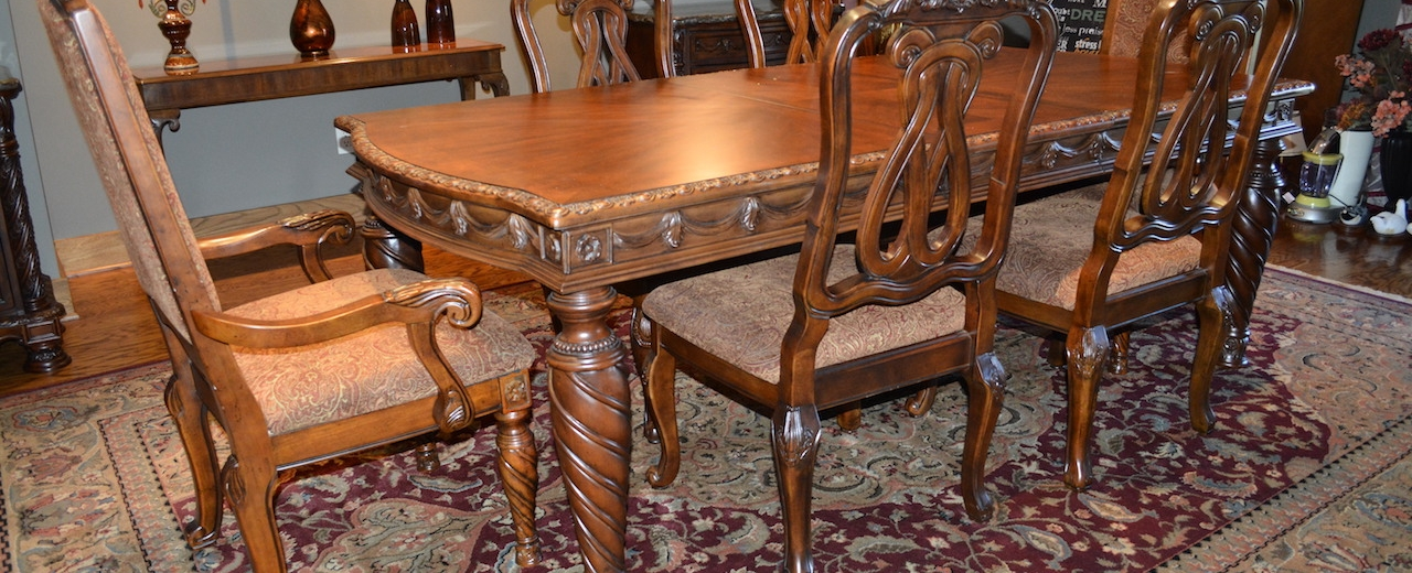Quality Personal Property Auction Just South Of Downtown Fort Wayne Features Like New Furniture