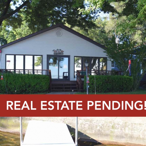 3 bedroom lakefront home with 42 feet of frontage on Lake Wawasee