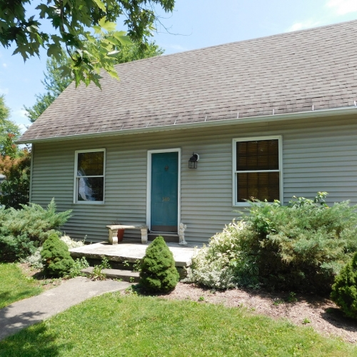 Well maintained 3 bedroom home and garages in Markle Indiana