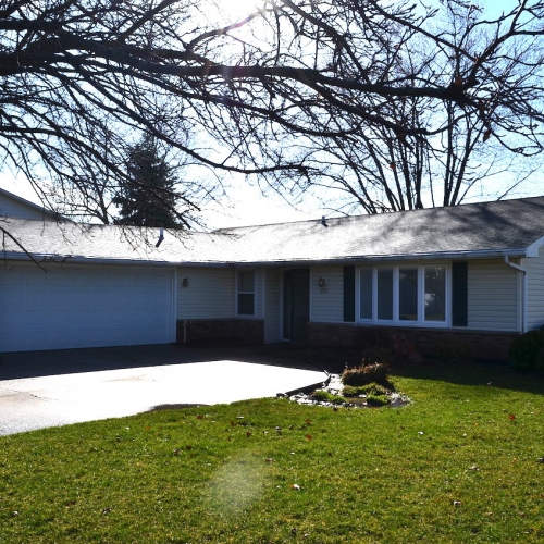 3 bedroom, 2 full bath home with attached garage in Ludwig Park