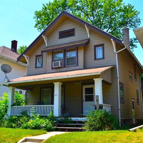 3 bedroom home with basement and garage just off Fairfield Ave