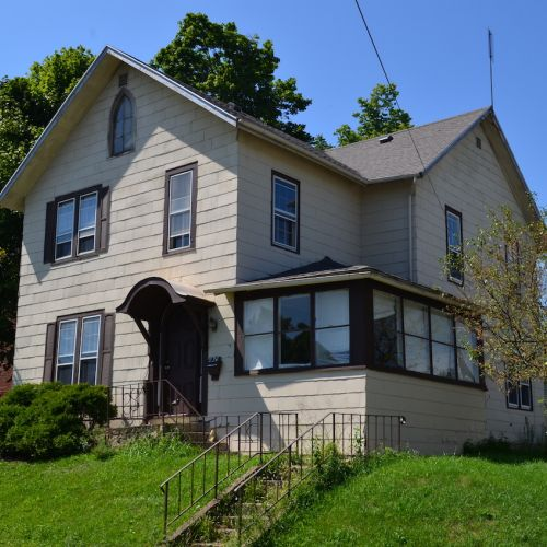 4 bedroom, 1.5 bath home w/ detached garage in downtown Huntington, IN.